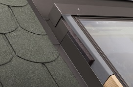 Insulated THERMO step flashing EL-T, EL-AT for flat roofing materials