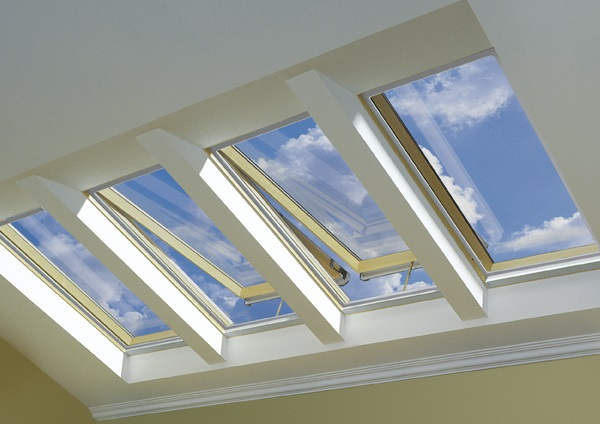 Solar operated venting skylight FVS